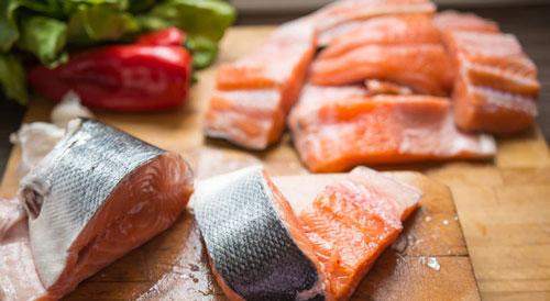 Ăn cá giúp ngăn ngừa siu giảm trí nhớ và nhận thức
