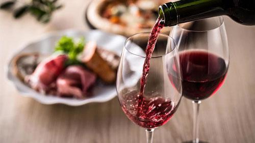 Rượu vang là một phần của chế độ ăn Địa Trung Hải