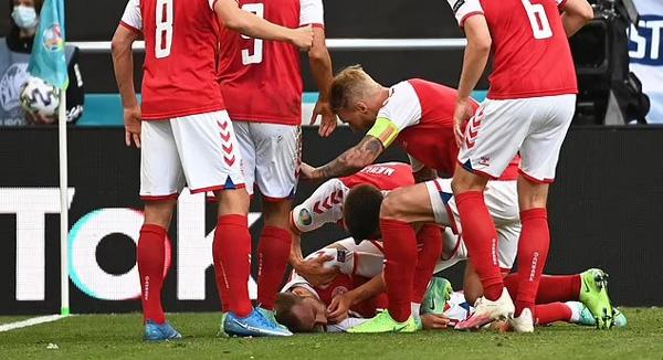 Christian Eriksen đột ngột ngã quỵ xuống sân cỏ khi đang thi đấu